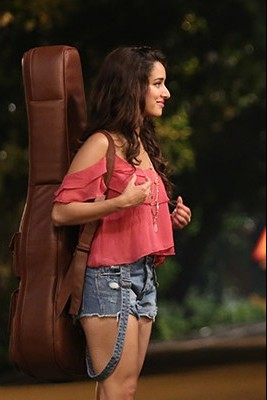 Want same pink cold shoulder top that Shraddha Kapoor is wearing - SeenIt