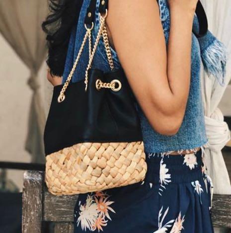 Want this black handbag - SeenIt