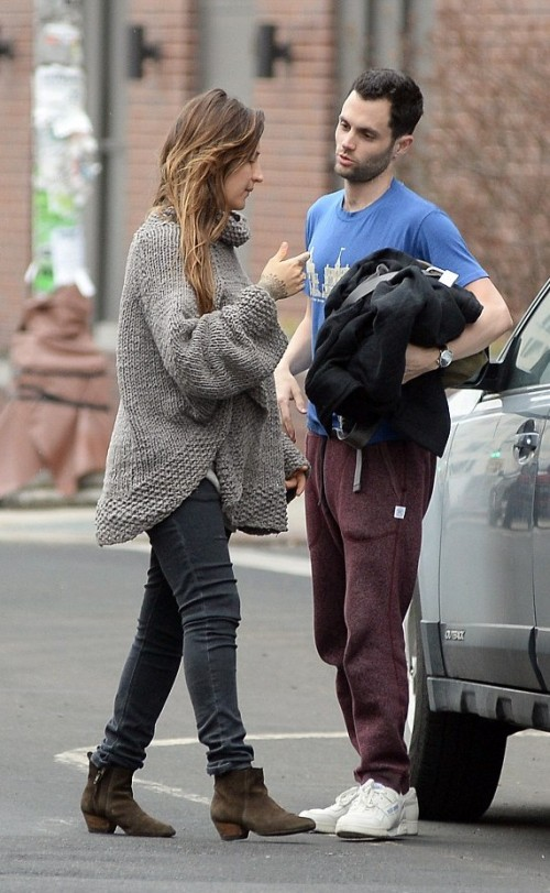 Looking for similar Burgundy joggers, blue t-shirt and white sneakers that Penn Badgley is wearing - SeenIt