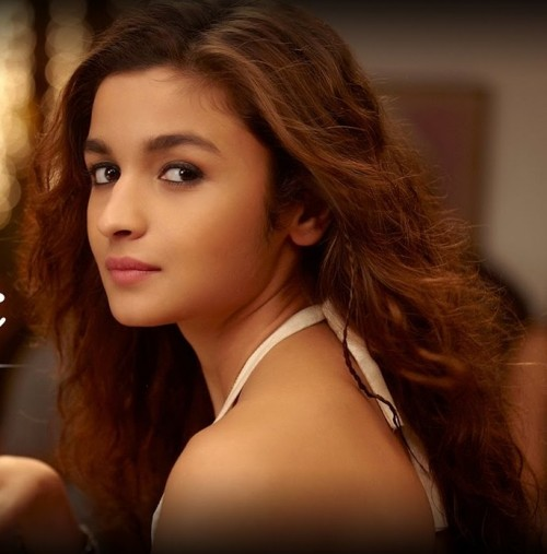 I can't find this white V neck halter outfit of Alia bhatt  which she wore in Tu hi hain song - SeenIt