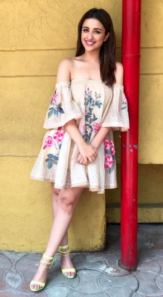 455a91e4e7d Want this floral off-shouder dress which Parineeti Chopra is wearing for  Meri Pyari Bindu