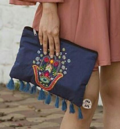 Looking for this kind of bags/clutches. - SeenIt
