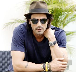 4a35aeada1 Looking for a brown fedora with black sunglasses like the ones spotted on  Arjun Rampal -
