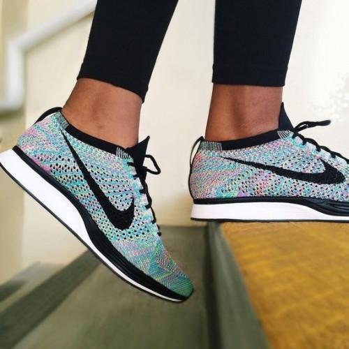 Looking for this blue nike sneakers - SeenIt