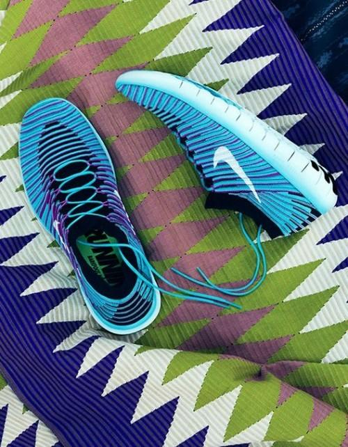 Want these blue running sneakers - SeenIt