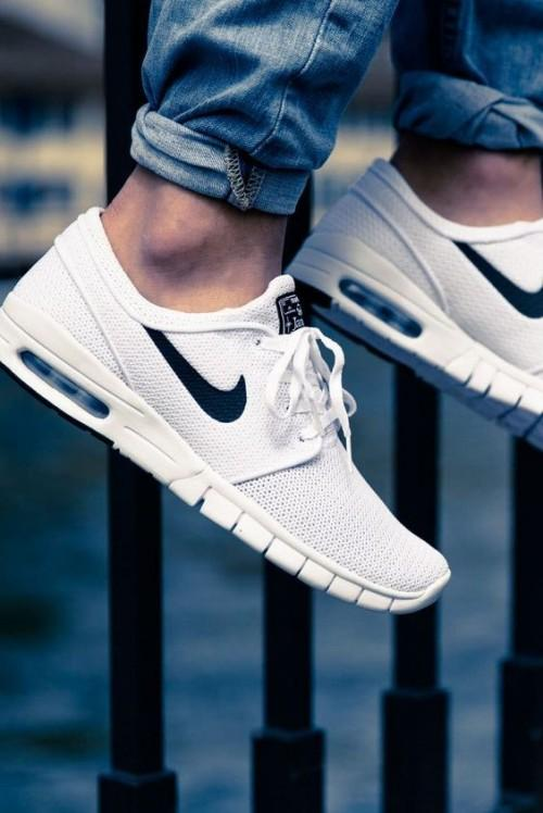 Want the white running sneakers - SeenIt