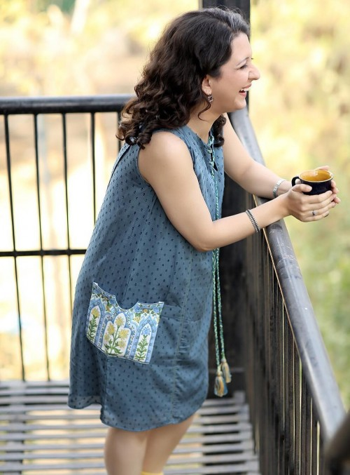 Need this blue printed shift dress for this summer. Any leads? - SeenIt