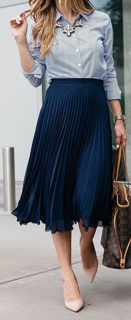 I'm looking for a pleated midi/knee-length skirt. Please help! - SeenIt