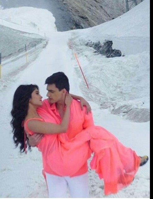 Want the saree which Shivangi Joshi is wearing - SeenIt
