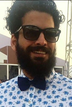 I'm looking for a similar black wayfarers and blue bow tie as seen on fmwdotcom - SeenIt
