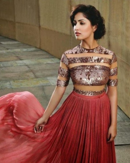 Help me find this long rosegold sequin dress as seen on Yami Gautam - SeenIt