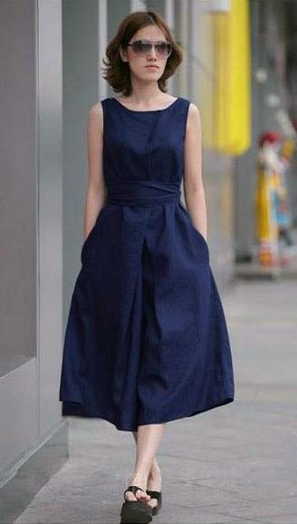 Want this navy blue sleeveless midi dress - SeenIt