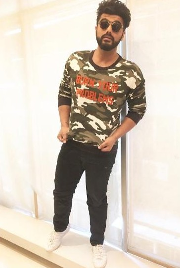 Want this camo print tshirt which Arjun Kapoor is wearing for half girlfriend promotions - SeenIt