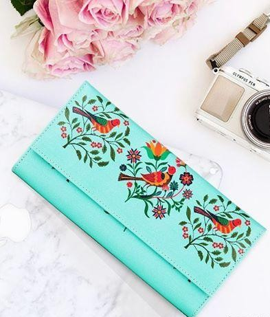 Looking for this mint colour bird printed wallet. - SeenIt