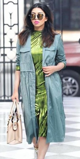 I'm looking for a similar beige handbag, reflector sunglasses and blue shrug as seen on stylefashionetc - SeenIt