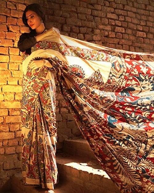 Can you help me find this beige multicolor kalamkari printed saree? - SeenIt