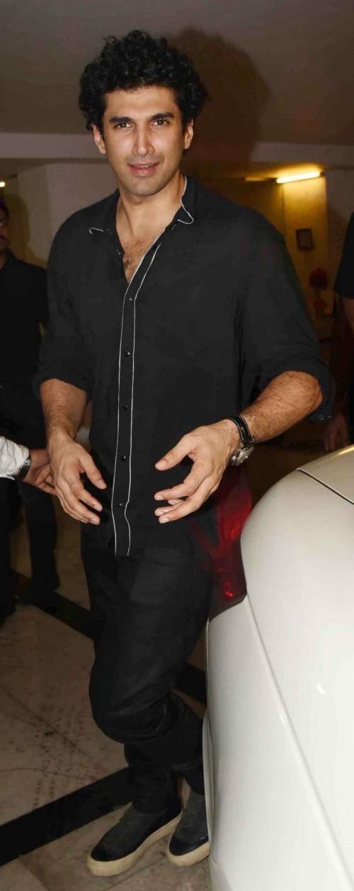 Yay or Nay? Aditya Roy Kapur spotted in a black shirt and denims at Karan Johar's  Birtdhay Party - SeenIt