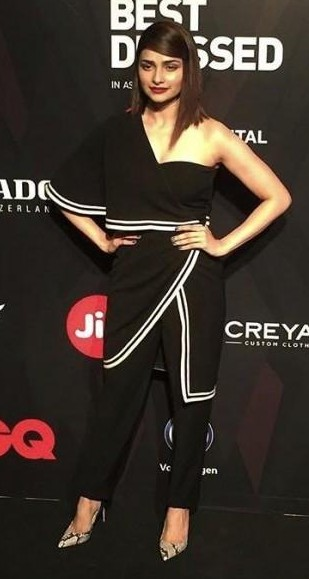 Yay or Nay? Prachi Desai wearing a black one shoulder outfit at the GQ Awards Red Carpet 2017 - SeenIt