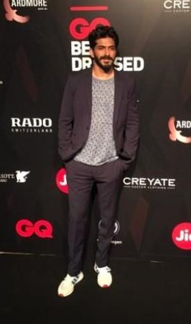 Yay or Nay ? Harshvardhan Kapoor at the GQ Awards 2017 in a Paul Smith suit - SeenIt
