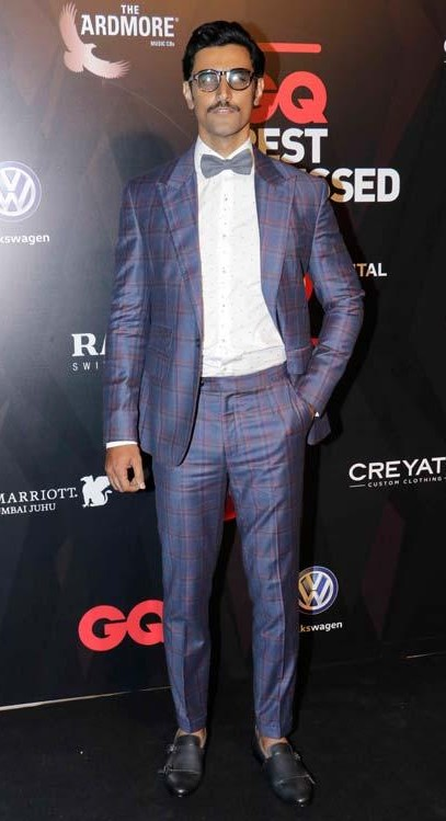 Yay or Nay? Kunal Kapoor spotted in a blue plaid tuxedo at the GQ Best Dressed Awards Red Carpet 2017 - SeenIt