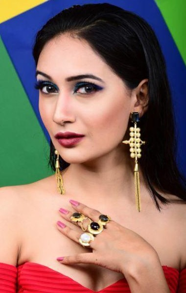 Need these golden tasseled dangler earrings and stone embedded connecting ring as seen on blogger acupofvish.. - SeenIt