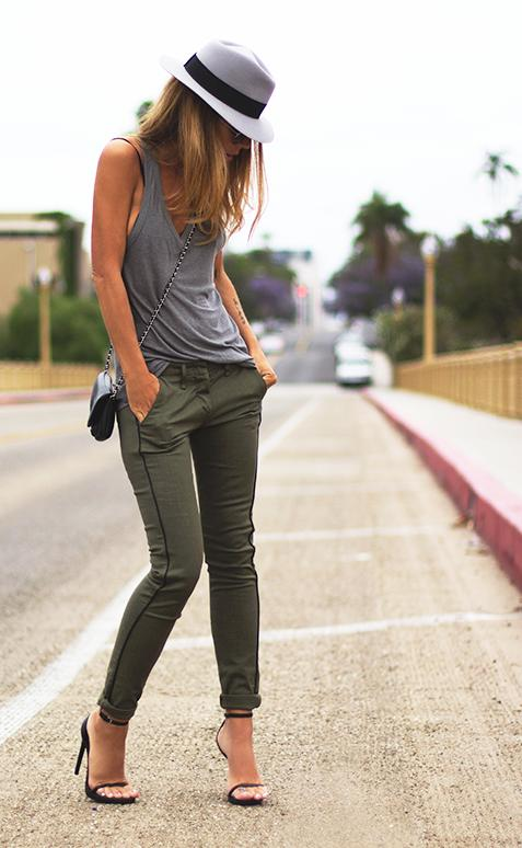 Help! Need these olive green skinny pants urgently - SeenIt