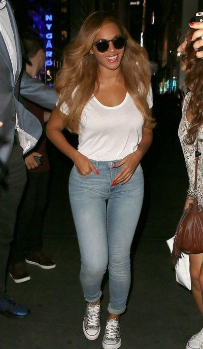 Looking for beyonce's white top, blue denim and silver sneakers to recreate this casual look - SeenIt