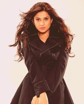 Looking for a similar trench coat that Jennifer Winget is wearing. - SeenIt