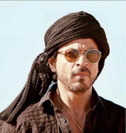 1fa90239081 I am looking for same sunglasses which Shah Rukh Khan is wearing - SeenIt