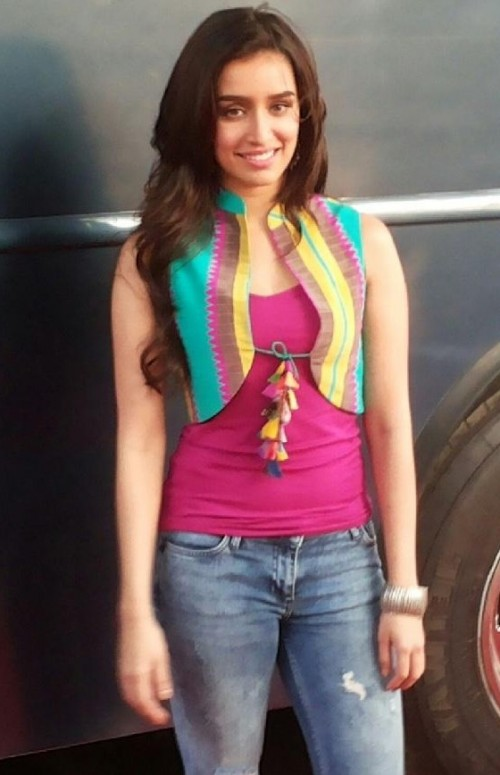 I want this same top which Shraddha Kapoor is wearing - SeenIt