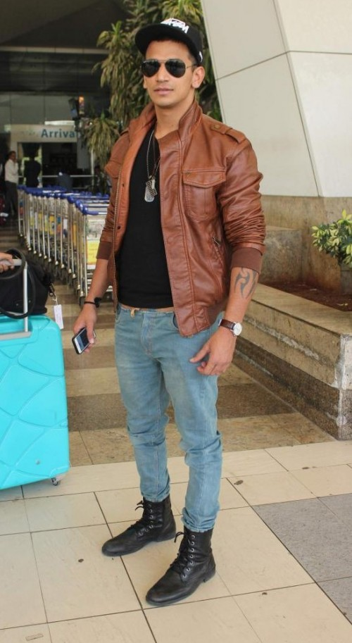 Looking for similar black sunglasses, brown jacket and a black t shirt that Prince Narula is wearing. - SeenIt