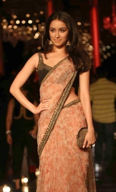 I'm looking for a similar saree like the one which Shraddha Kapoor is wearing - SeenIt