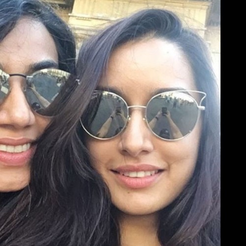 Want the cat-eye sunglasses which Shraddha Kapoor is wearing - SeenIt