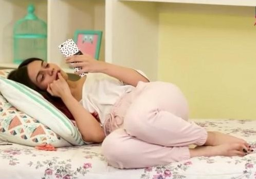 Looking for this pink trousers which Komal is wearing - SeenIt