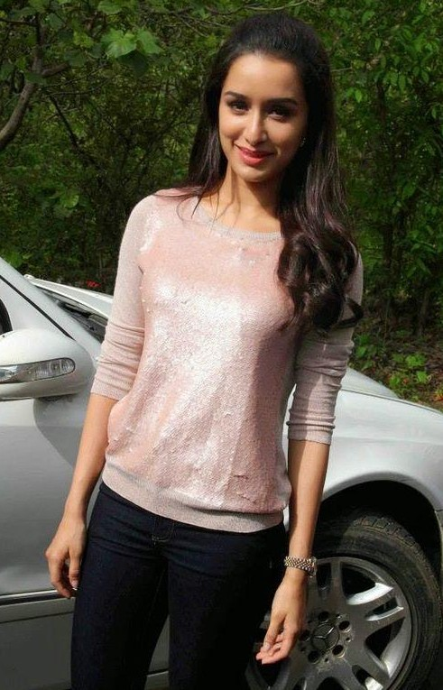 Want this top which Shraddha Kapoor is wearing - SeenIt