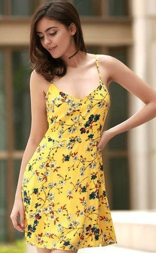 Looking for a similar yellow floral print cami dress. - SeenIt