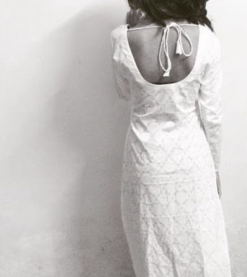 Need this solid White backless kurta... please help me find it. - SeenIt