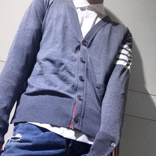 Looking for this grey sweater - SeenIt