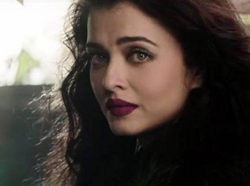 I am looking for the same lipstick shade which Aishwarya Rai is wearing - SeenIt