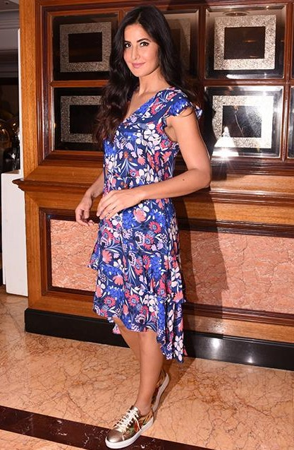 655912ebd7630 Shop jaggajasoos, katrinakaif, sneakchic, dress, outfit, shoes on ...