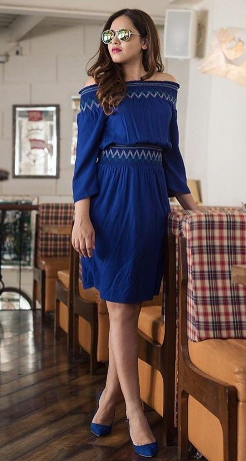 Need this blue off shoulder dress and pumps as seen on styledrive. - SeenIt