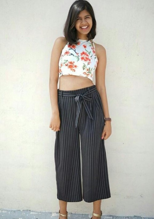 plz tell me where can i get these culottes which Sejal is wearing ? exactly the same - SeenIt
