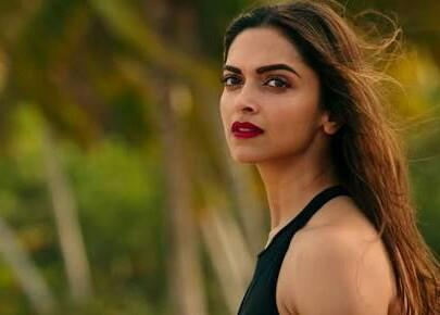 looking for similar shade of lipstick which Deepika Padukone is wearing ..plz help me find one - SeenIt
