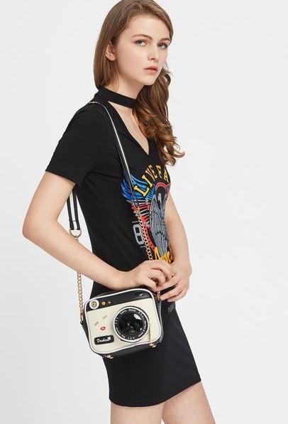 Want a similar camera bag like this - SeenIt