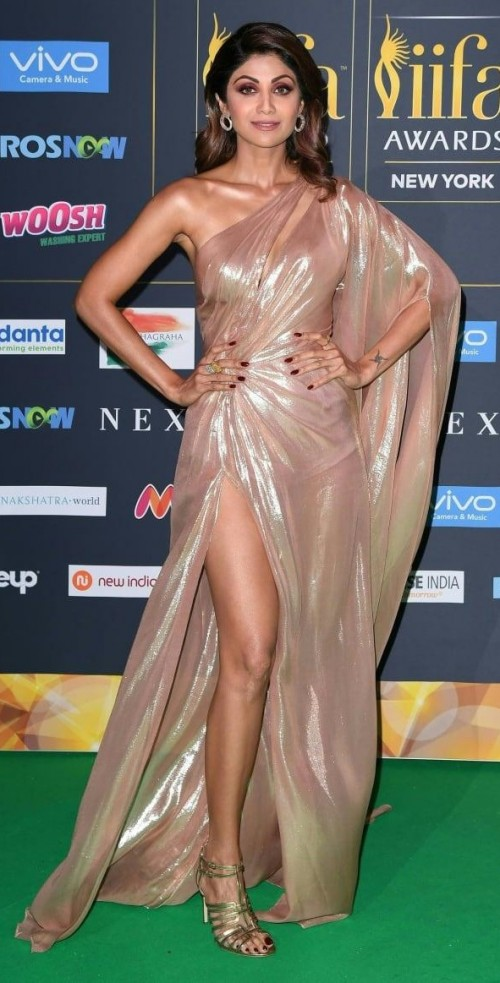 Yay or Nay? Shilpa Shetty wearing a golden Monisha Jaisingh slit gown at the IIFA night in New York - SeenIt