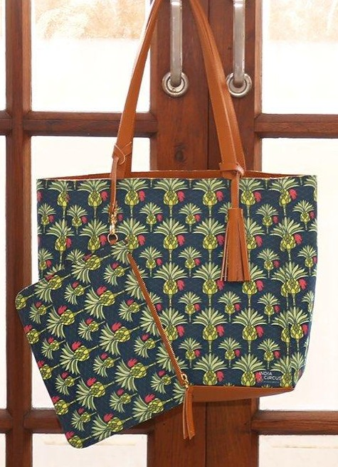 Looking for this green palm printed tote bag online. - SeenIt