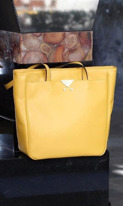Where can I find a similar yellow tote bag? - SeenIt
