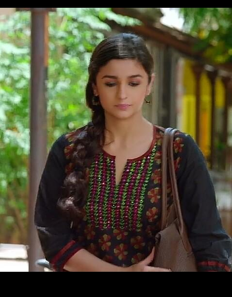 Help me find a similar kurti which Alia Bhatt is wearing - SeenIt