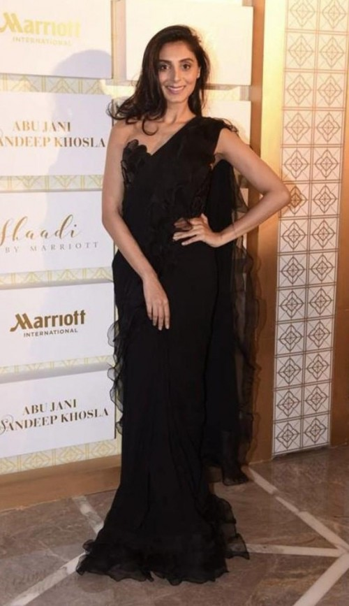 Yay or Nay? Pernia Qureshi wearing a black ruffled saree at the Abu Jani & Sandeep Khosla Wedding of the Year show held at Marriott - SeenIt