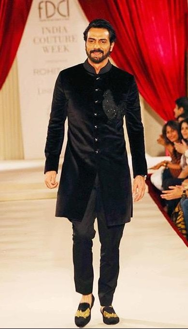 Yay or Nay? Arjun Rampal walks the ramp as a showstopper for Rohit Bal during the India Couture week being held in Delhi - SeenIt